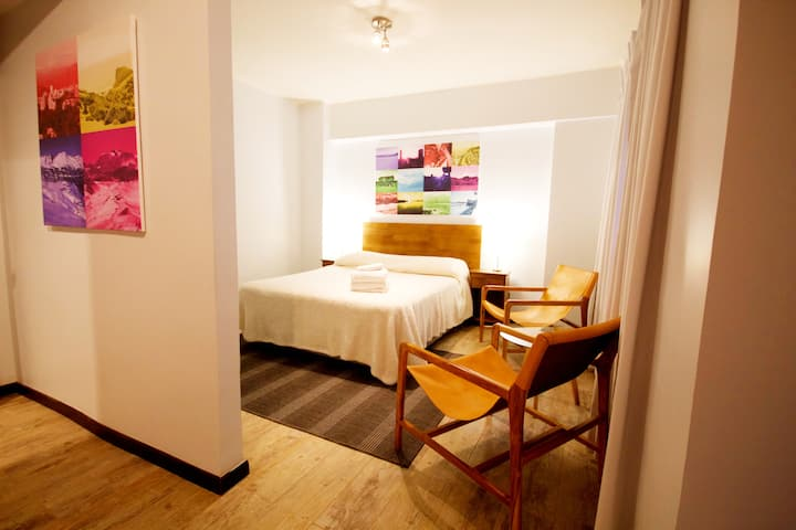 Special 80% Off - Renovated & Best Downtown Locale