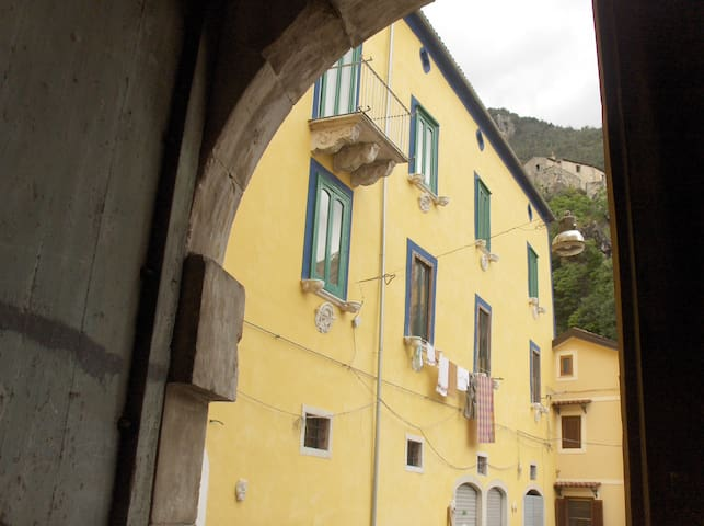 """Palazzo Grammatico """"Appartamenti per Vacanze"""" - Sala Consilina - Casa"""