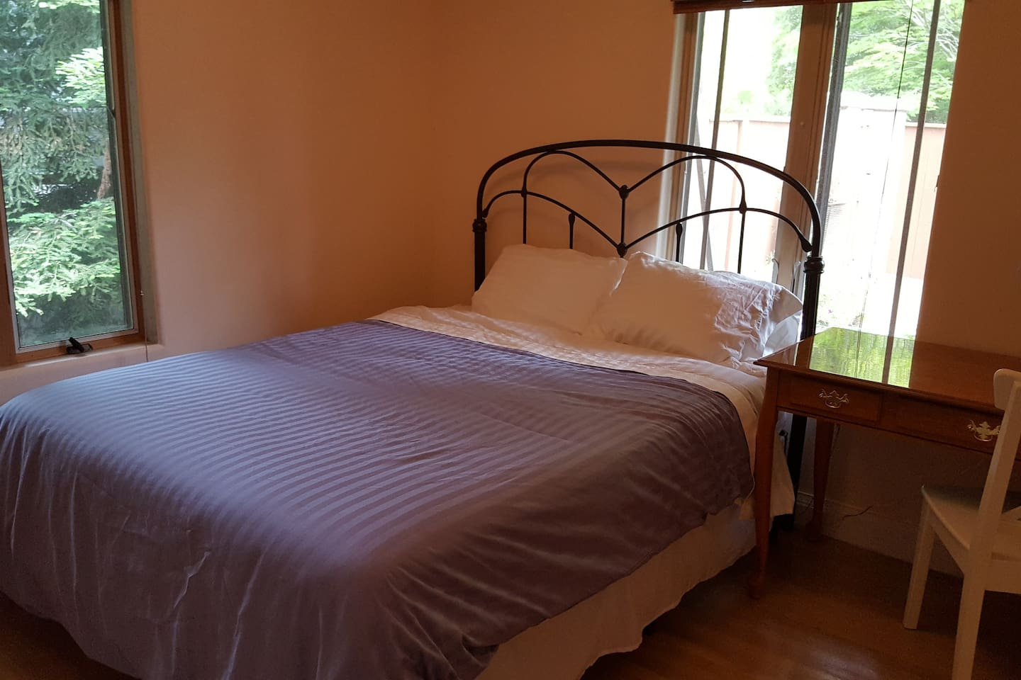 Private bedroom with queen size bed, brand new mattress, desk, large closet.