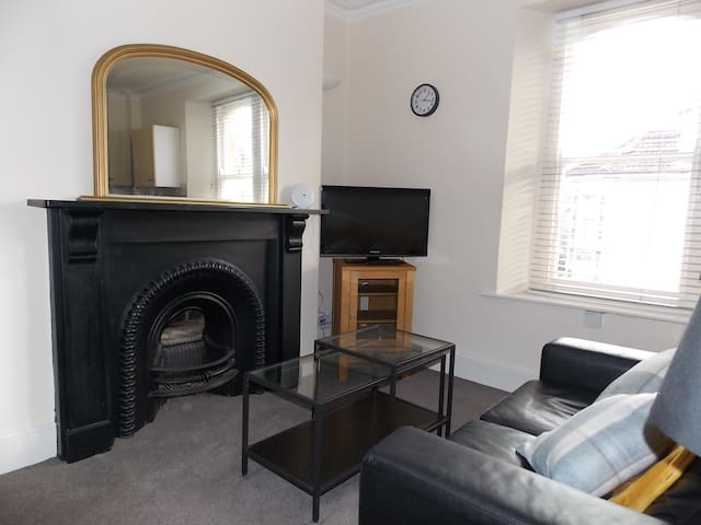 Lovely apartment close to City Centre & Clifton #3