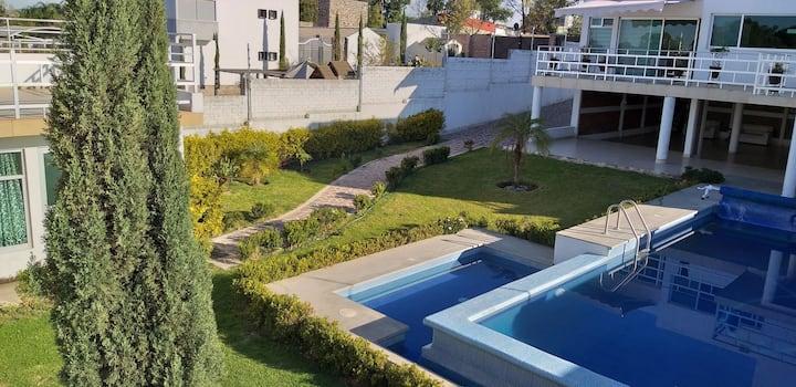 Trabaja descansa Casa alberca Lomas de Comanjilla