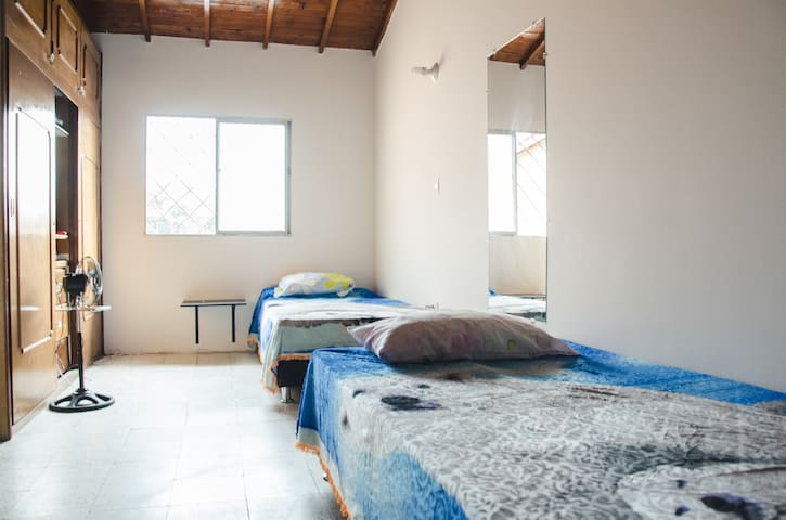 Room for rent - Medellín - Bed & Breakfast