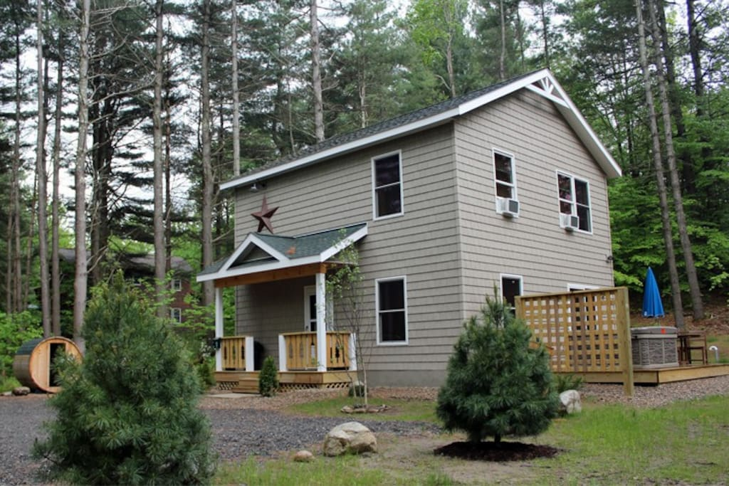 Cascade mountain chalet houses for rent in wilmington for Wilmington ny cabin rentals