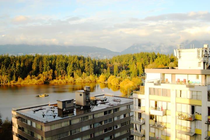 STANLEY PARK & MOUNTAIN VIEW 1 BR APT - Vancouver - Apartament