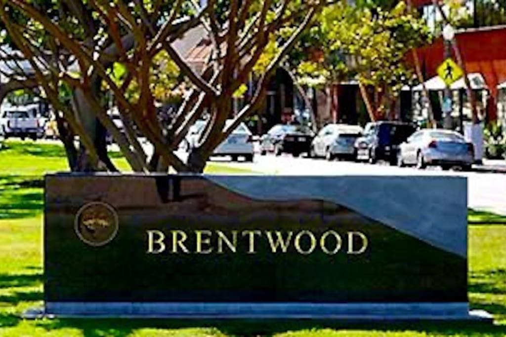 WELCOME to the charming town of BRENTWOOD, LOS ANGELES