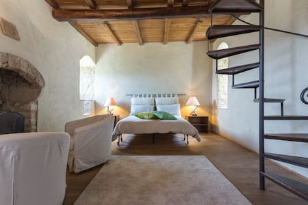 Superb Medioeval Castle in the Heart of Umbria