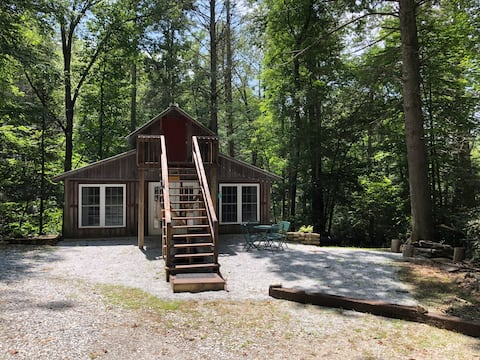 Relax & Recharge! Secluded Mountain Carriage House