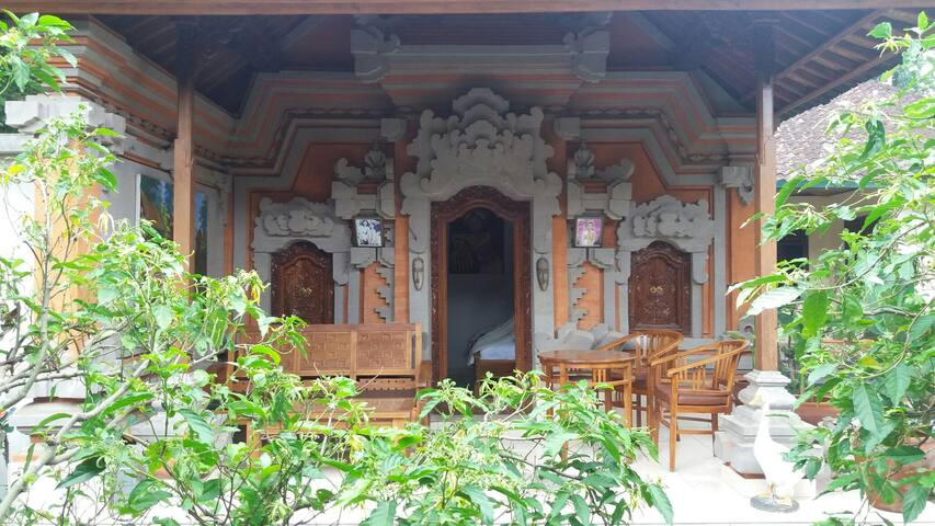 1BR Daily/Long Term Balinese house - เทกัลลาลัง - บ้าน
