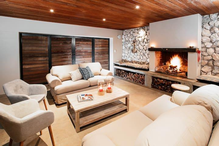 Langebaan Khoisands Lodge self catering & private.