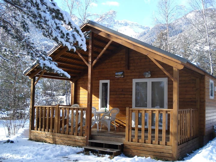 Chalet with 2 bedrooms in Saint-Martin-de-Queyrières, with wonderful mountain view, shared pool, furnished terrace - 5 km from the slopes