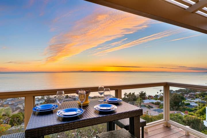 Beautiful Beach Home, Ocean Views, Large Deck+Walk to Water