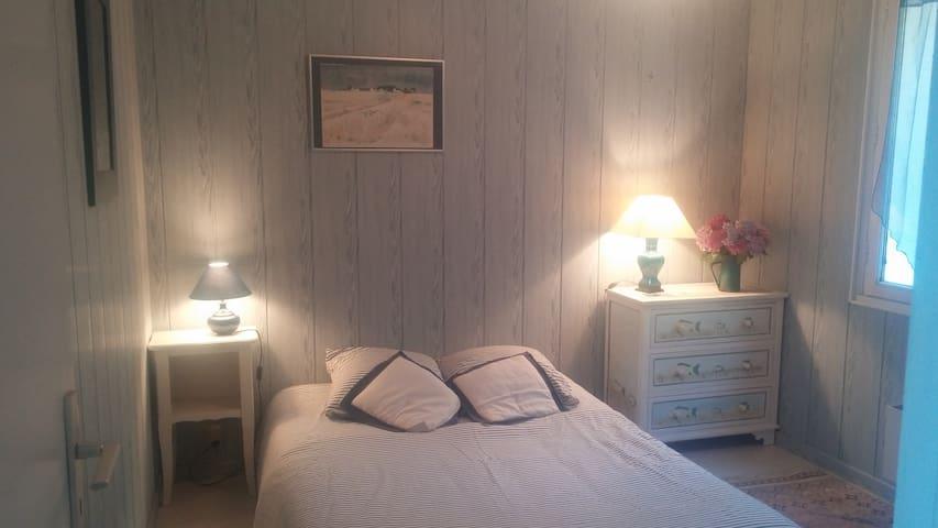A room  in Belle-isle en mer