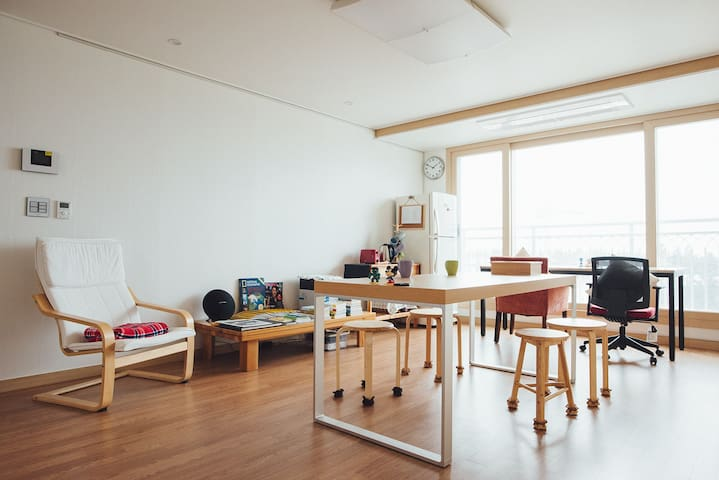Cozy Twin Room (private room for two persons) - Seogwipo-si - Leilighet