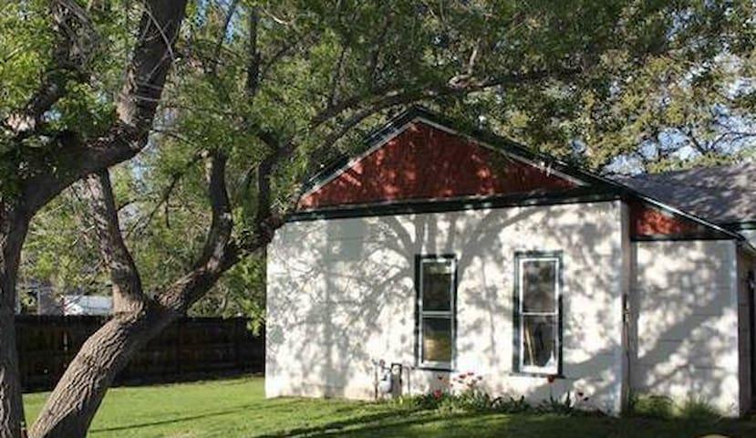Cozy Little House By Downtown - Bozeman - Huis