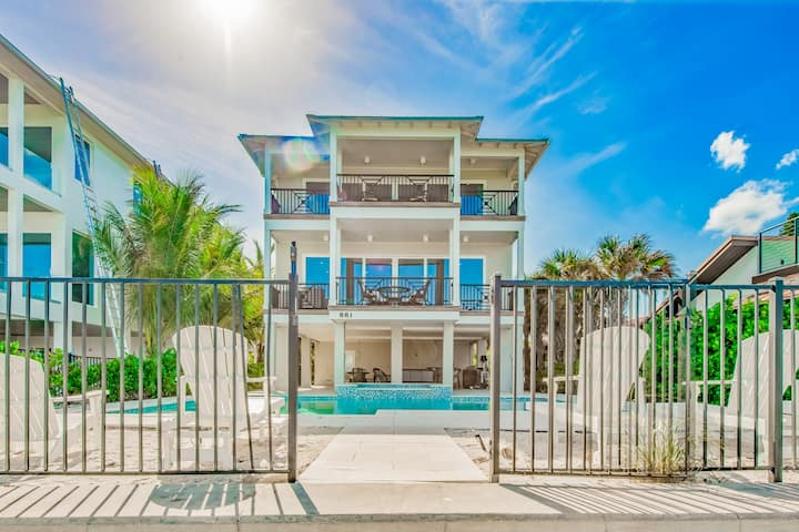 Bay View Beauty - Beachfront 7 bd luxury home with amazing views of Rod 'n Reel Pier!