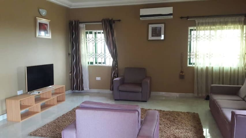 East Legon Luxury Apartment (Book Now!)