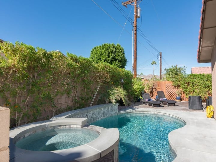 Beautiful La Quinta Pool Home