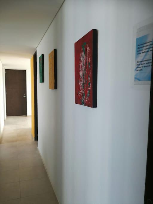 acceso a sala,cocina,cuarto y baño