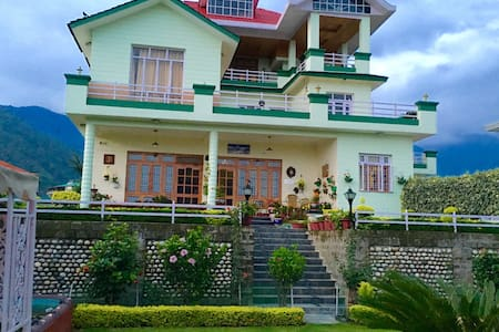 NOORVILLA HOME STAY Master Bedroom - Palampur