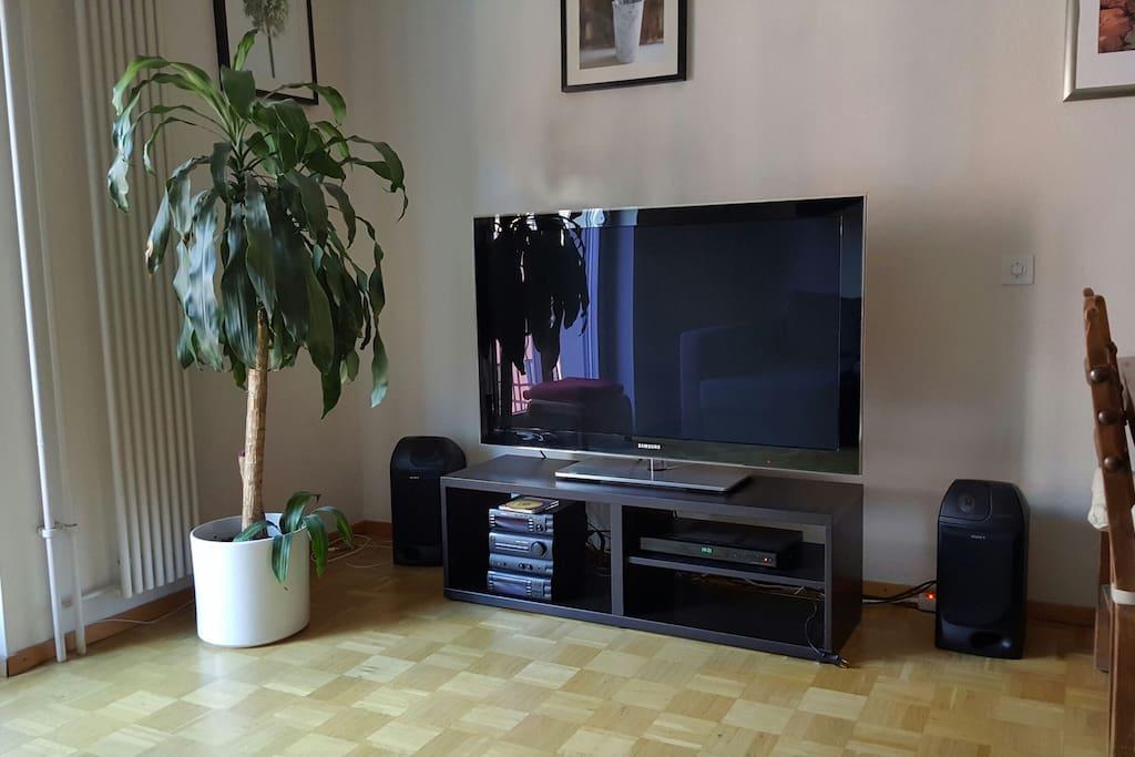 Big TV cable TV Hi-Fi Sistem Fast WiFi