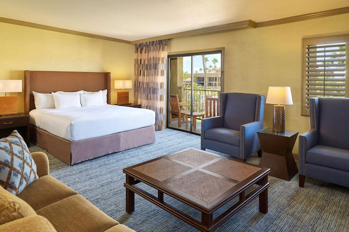 Family Junior Suite Double Bed At Oro Valley