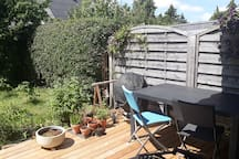 Cosy family-friendly terraced house with garden.
