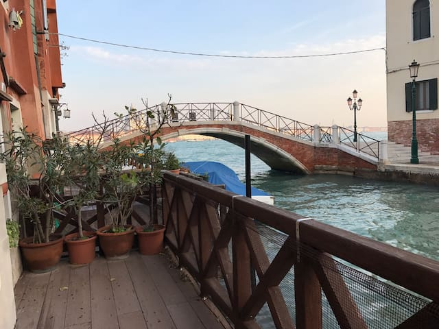 Marco Polo's House -terrace with view to San Marco
