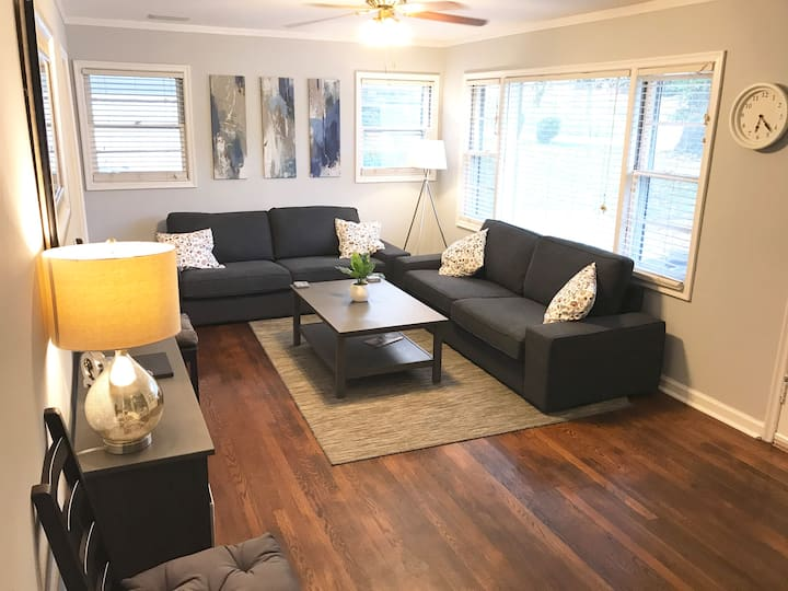 Cozy 3BR home; 5min to LU & UofL+huge yard & patio