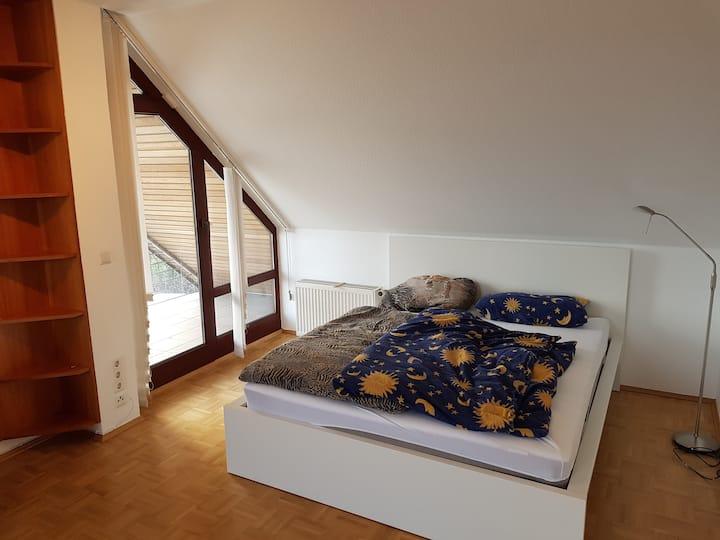 Frisch Renoviertes, idyllisch gelegenes Zimmer