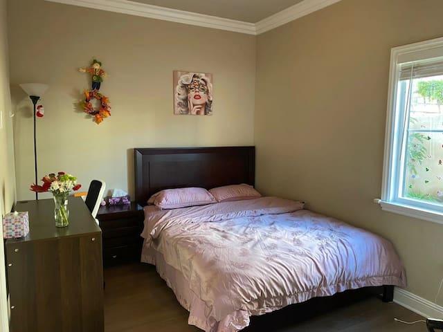 新房中拥有独立卫生间温馨雅房
