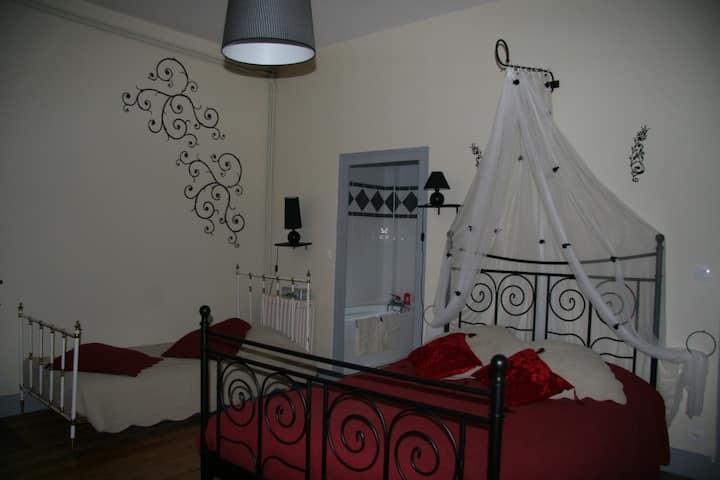 Chambre 3 : Coco Chanel