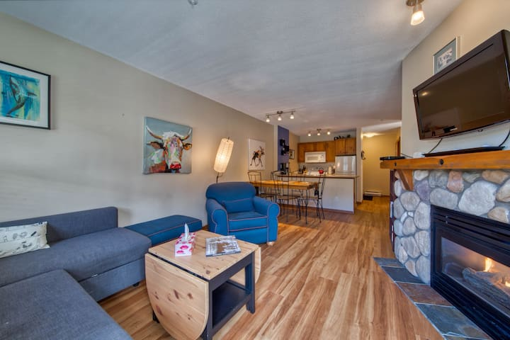 Fireside Lodge #204, Large 1 BD, ski in/ski out