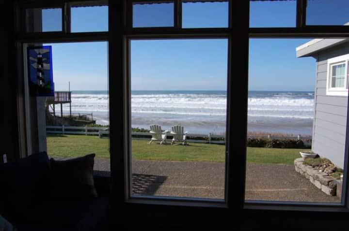 "Beachfront Garden Inn #2 ""Molly's Lighthouse"""