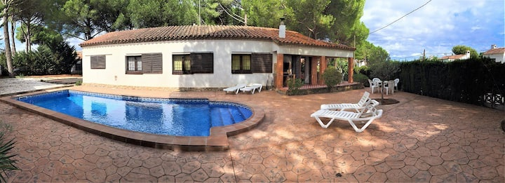 Chalet individual,Piscina Privada,free WiFi