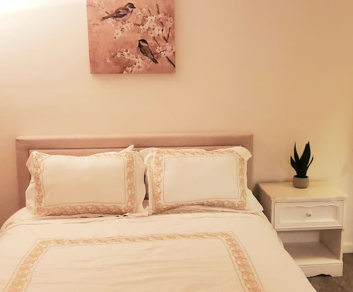 (1) Cupertino Private Apartment