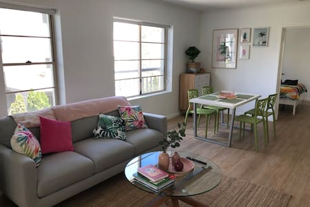 2 bedroom/2 ensuite bathroom apartmnt at City edge