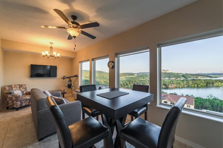3 BD Majestic Lakeview Branson Condo - The View!