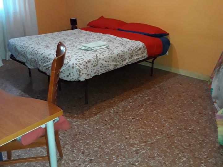 Stanza in appartamento, 10 min.da Trastevere