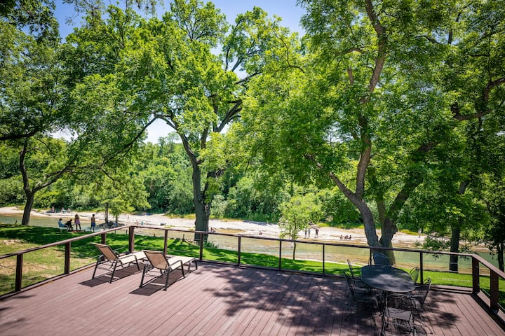 Whippoorwill Hill- Quiet Guadalupe riverfront, book today!