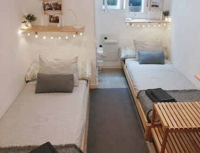 Double room 400 metres from the beach