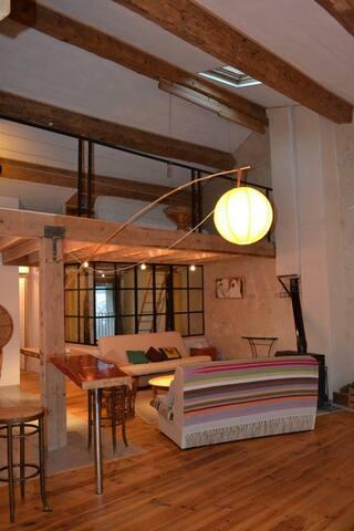 Loft lumineux plein sud desing moderne