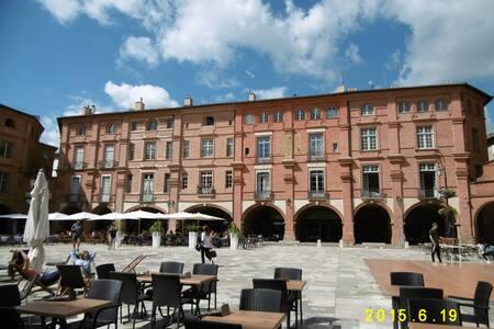 Appartement de charme coeur historique Montauban