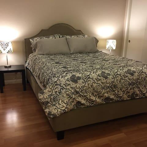 #1 Private Master Bed w/Own Bath 24