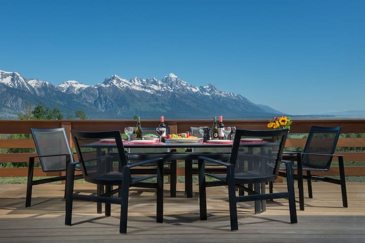 Abode on the Ridge | Perfect for all groups! Best views in all of Jackson!