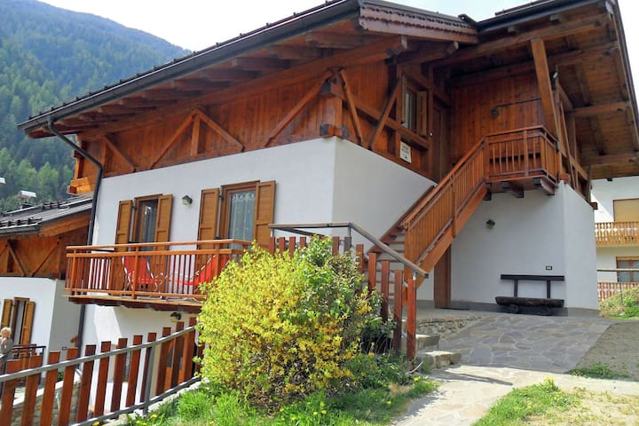 Nice house with lovely views of the Brenta mountains.