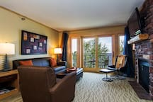 Lakeside Two Bedroom Suite at East Bay Suites