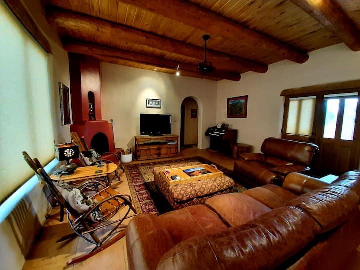 Casa del Cielo- Your Taos Home
