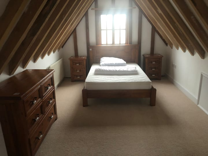 Beautiful Oak Framed home Double with Ensuite