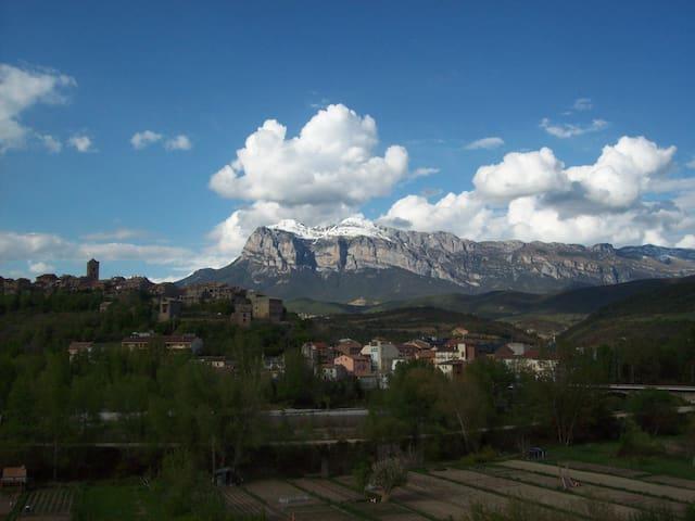 Acogedor apartamento en el pirineo - Aínsa