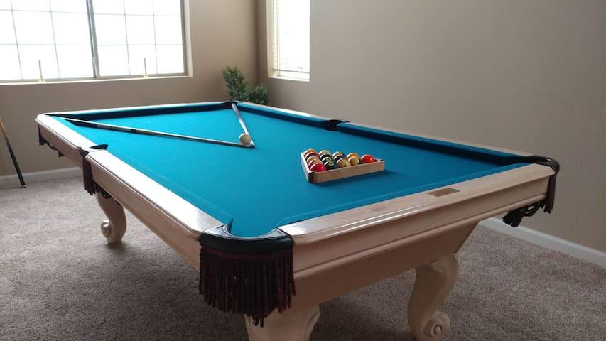 Comfy Bedroom 2 +Keypad Entry, WiFi & Pool Table! - North Las Vegas - Talo